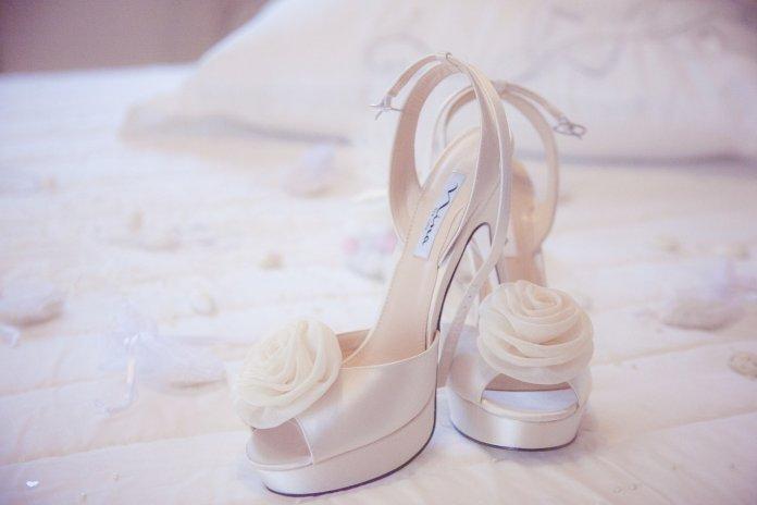 4586fb0a9fede4 Zostałaś zaproszona na wesele i nie masz pojęcia jakie buty ...